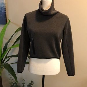 Mondetta Sport long sleeved crop top size XS